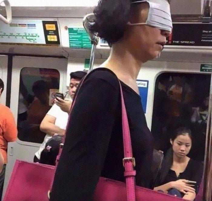 Какие масочки встречаются на пассажирах метро