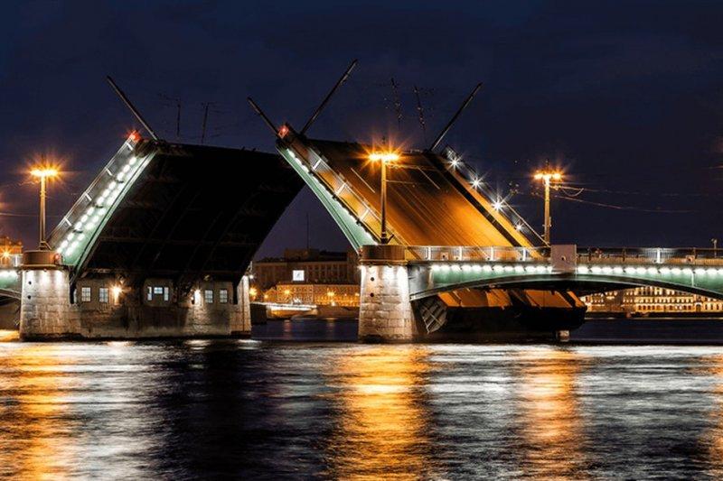 Очень грустное лихачество с разводным мостом