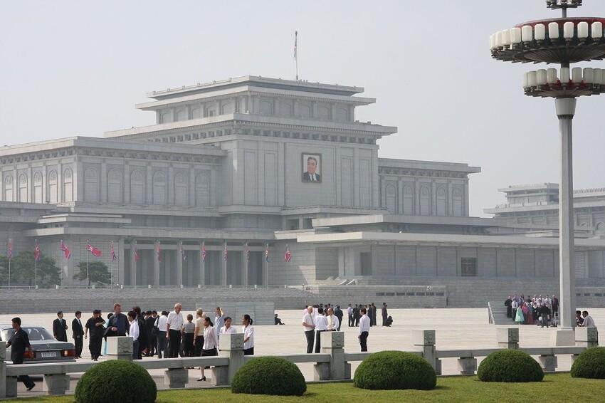 Ким Ир Сен и Ким Чен Ир / Северная Корея