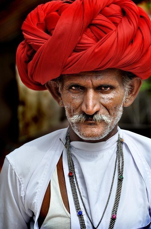 Для чего индийцы мотают столько текстиля вокруг головы?