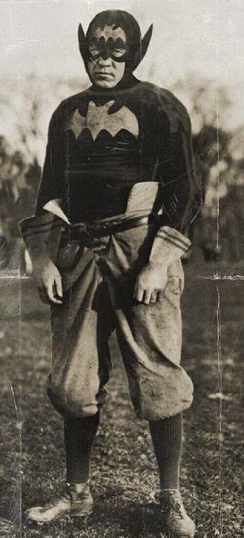 Бэтмен, начало, 1930 год