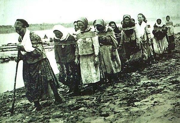 Существовали также женские бурлацкие артели.