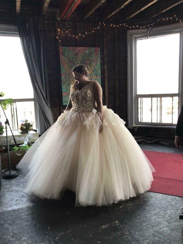 """""""Моя сестра вышла замуж. Я сшила это платье для нее!"""""""