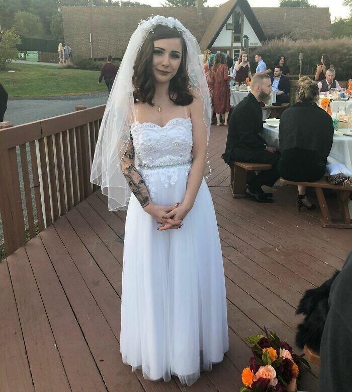"""""""Она взяла свадебное платье своей мамы и переделала его под себя"""""""