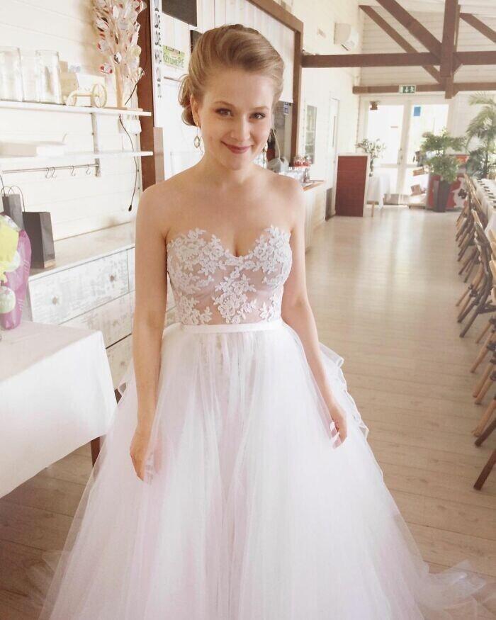 """""""В 2015 году, когда я шила себе свадебное платье, кружево на голое тело как раз снова входило в моду"""""""