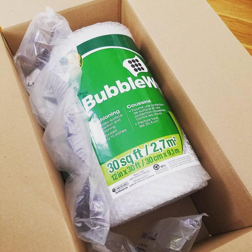 Они упаковали плёнку с пузырьками в плёнку с пузырьками