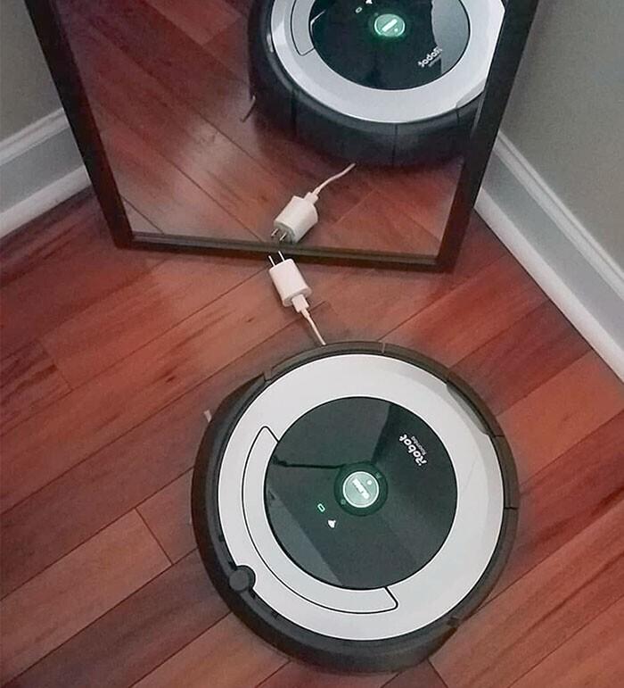 """""""Мой муж никак не научится прятать зарядные устройства от робота Евы"""""""