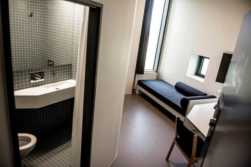 1. Камера в тюрьме Storstrøm, Дания