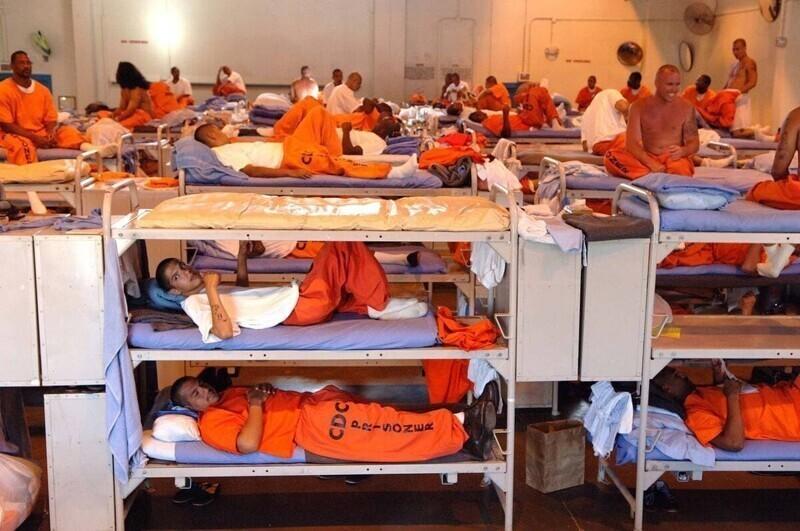 13. Тюрьма в штате Калифорния, США