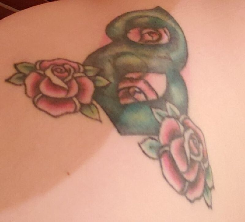 """""""У меня на спине татуировка с цифрой 8 (мое счастливое число), это была первая татуировка, которую я себе сделала"""""""