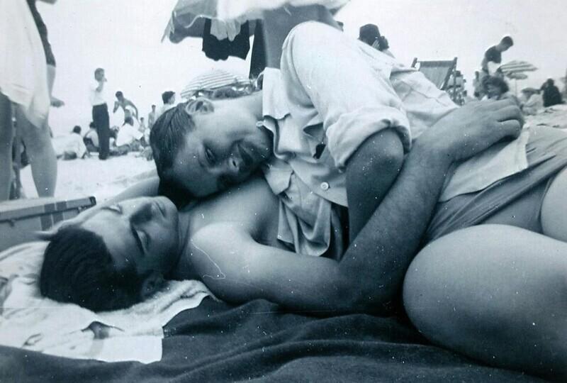 """""""Мои бабушка и дедушка в 1949 году, в 16 лет. Им посчастливилось провести 70 лет в любви"""""""