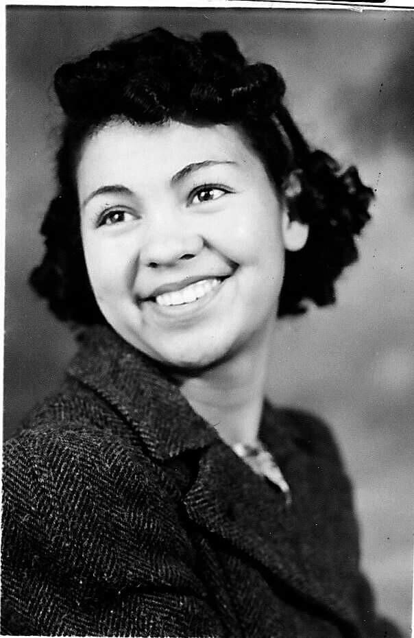 """""""Моя великолепная бабушка в старшей школе, 1940 год"""""""