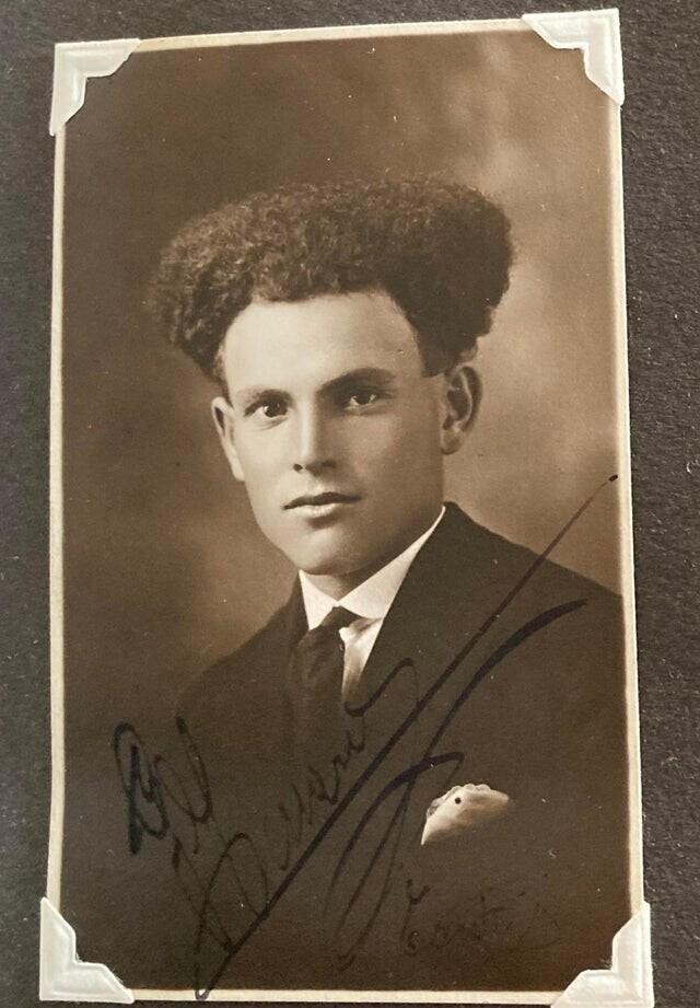"""""""Дядя моей 90-летней матери из Италии. Фото 1920-х годов"""""""