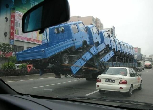 Куда смотрят дорожные службы?