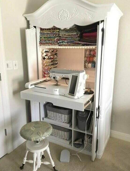 Такое рабочее место можно организовать не только для швей: все будет в одном месте