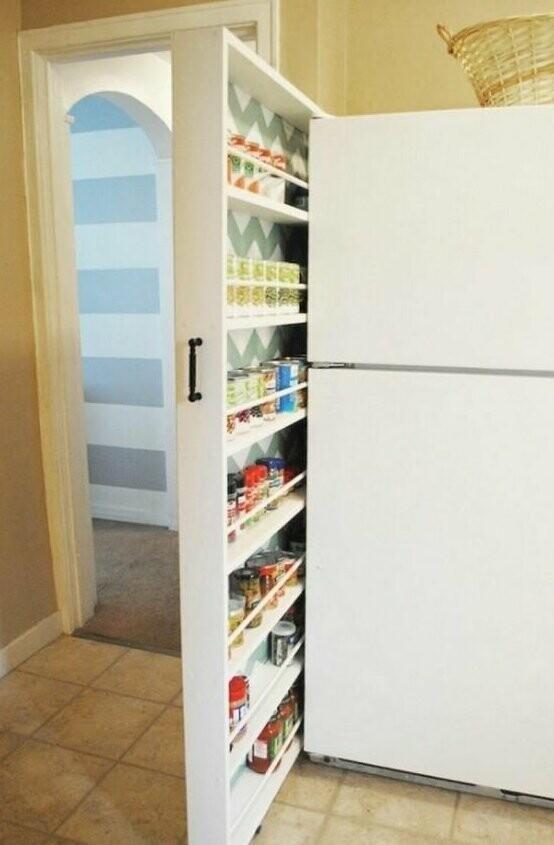 Такой же прием можно использовать на кухне для хранения круп, специй и прочего