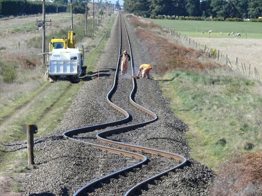 Железнодорожные пути после землетрясения в Новой Зеландии