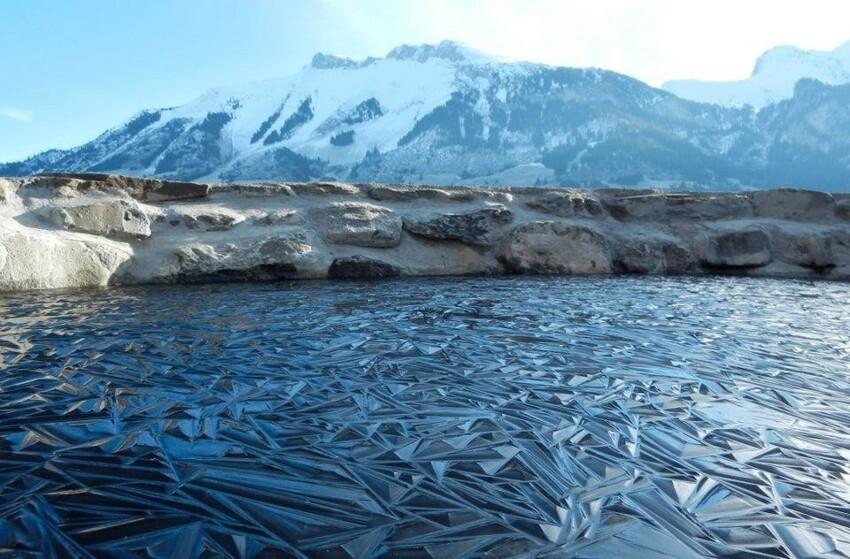 Замёрзшее озеро в Швейцарии