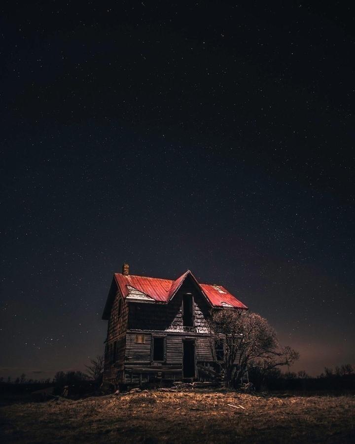 Жутковатый заброшенный дом