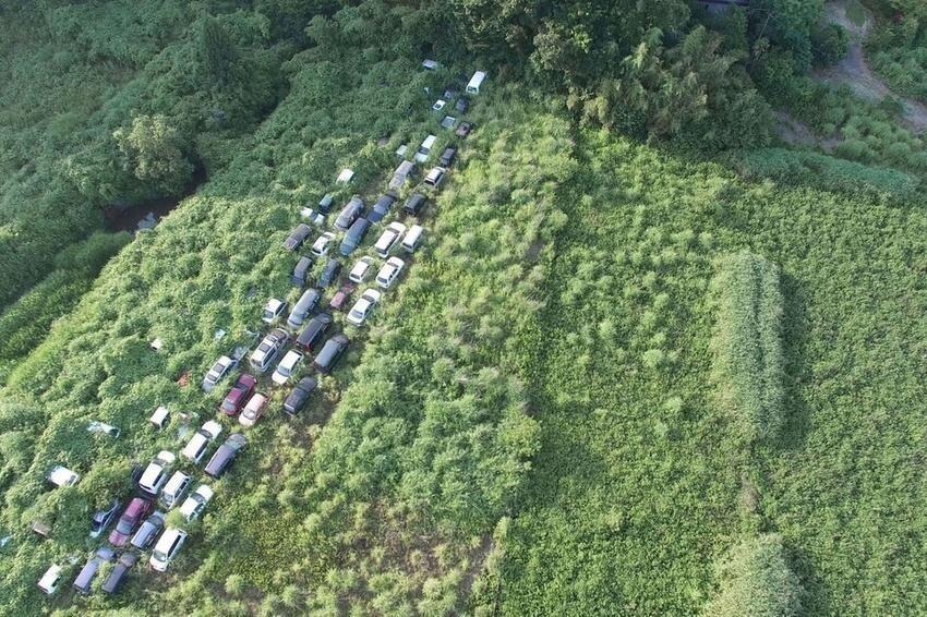 Радиоактивные машины, которые бросили после аварии на Фукусиме