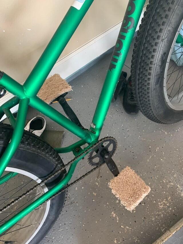 """""""Мой 12-летний сын модифицировал свой велосипед для езды босиком"""""""