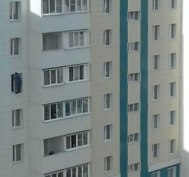 Мужчина решил прогуляться на 7 этаже