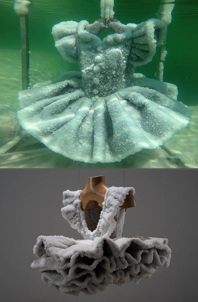 Кристаллизованное платье, которое оставили в мертвом море на два месяца