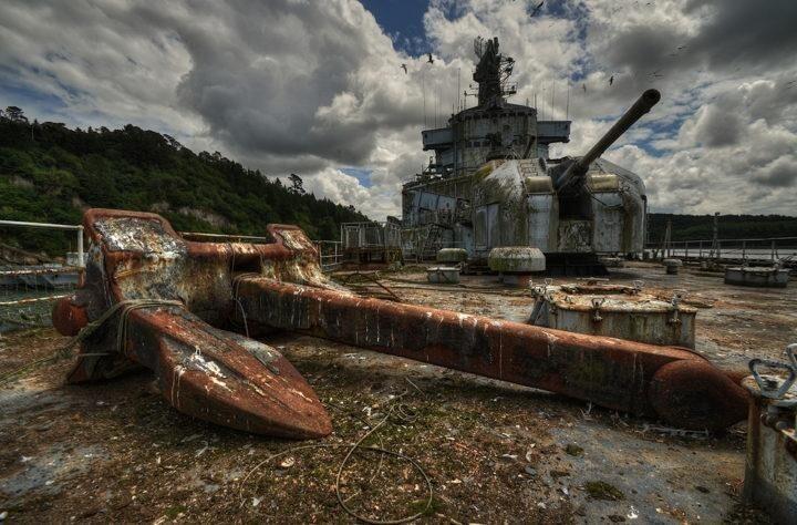 Кладбище кораблей, Франция