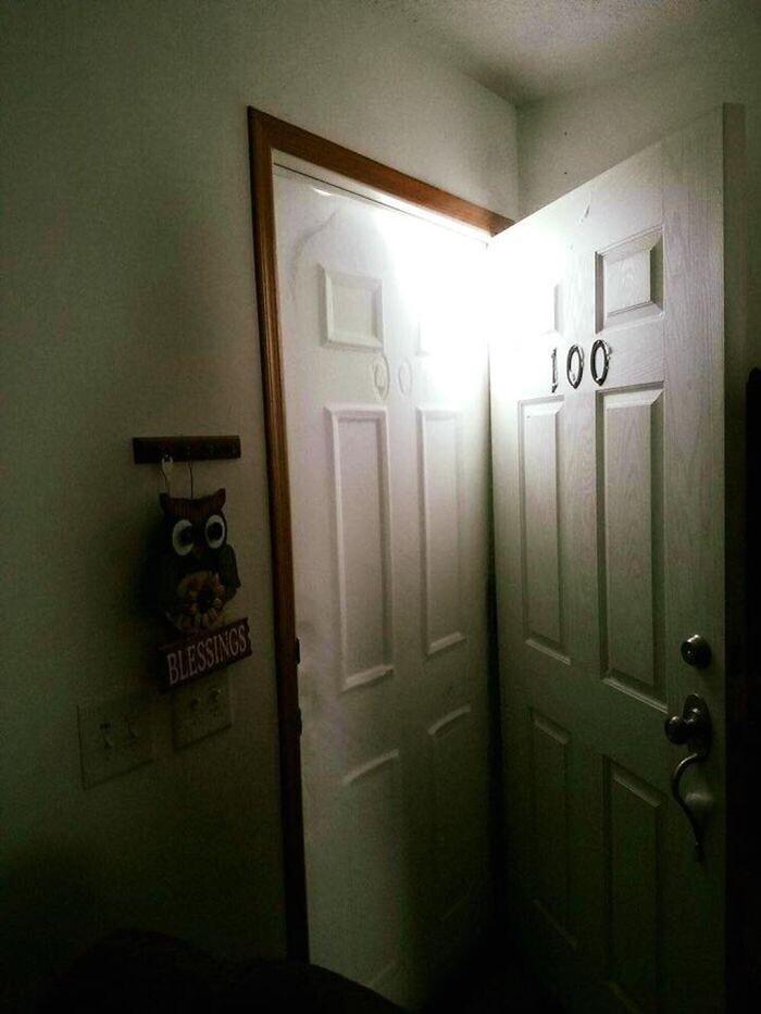 """""""Белое - это не вторая дверь! Вот так нас засыпало снегом!"""""""