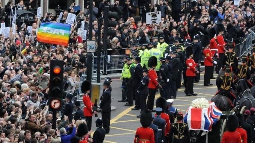 Похороны Железной Леди Маргарет Тэтчер. На них было потрачено 1,8 миллиона долларов - из низ 31.000 долларов потрачена на медицинскую помощь толпе, в связи с возникшими протестами