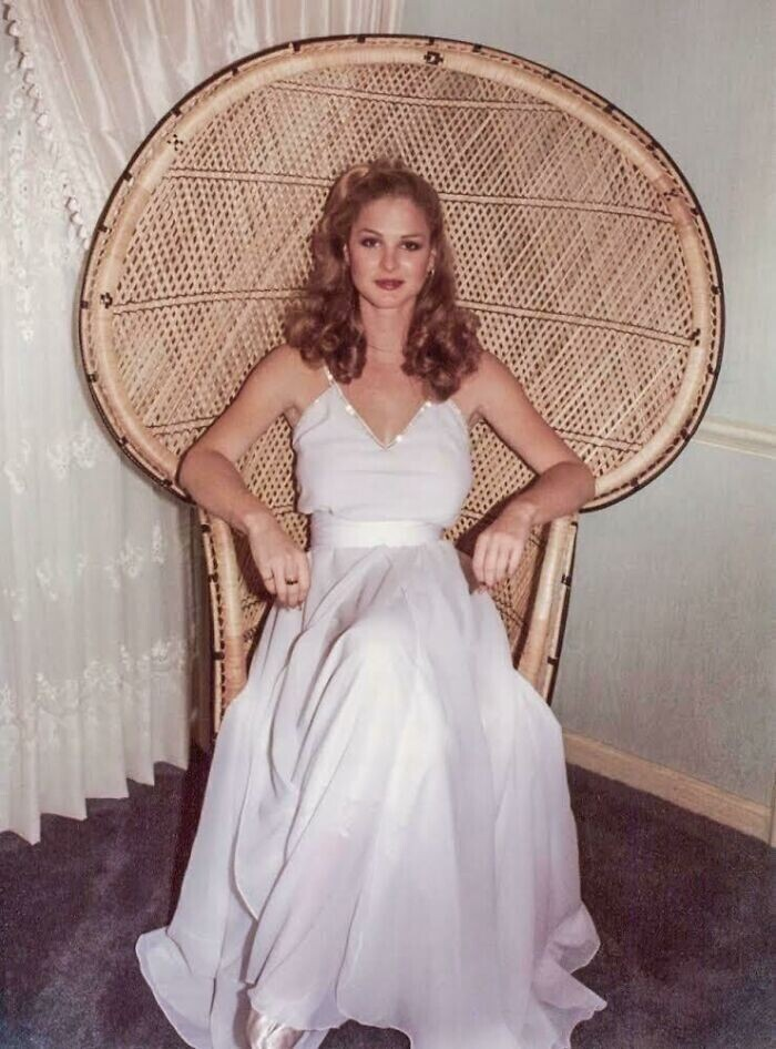 """""""Моя мама в день своей свадьбы в 1979 году. Она королева!"""""""