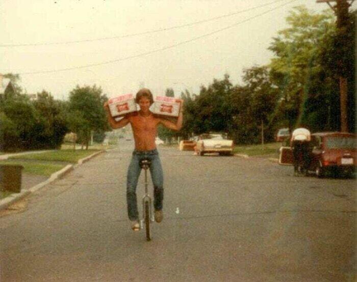 """""""48 бутылок пива, одноколесный велосипед и мой папа, 1980 год"""""""