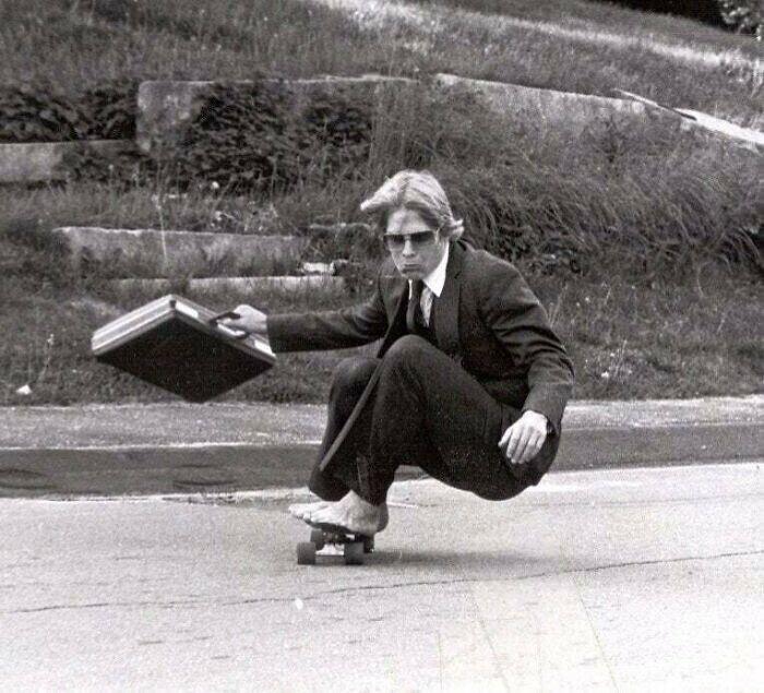 """""""Мой папа на скейтборде, 1982 год. Он крут!"""""""