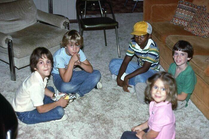 """""""Мой папа и его друзья, 1982 год. Выглядят как съемочная группа """"Очень странных дел"""""""