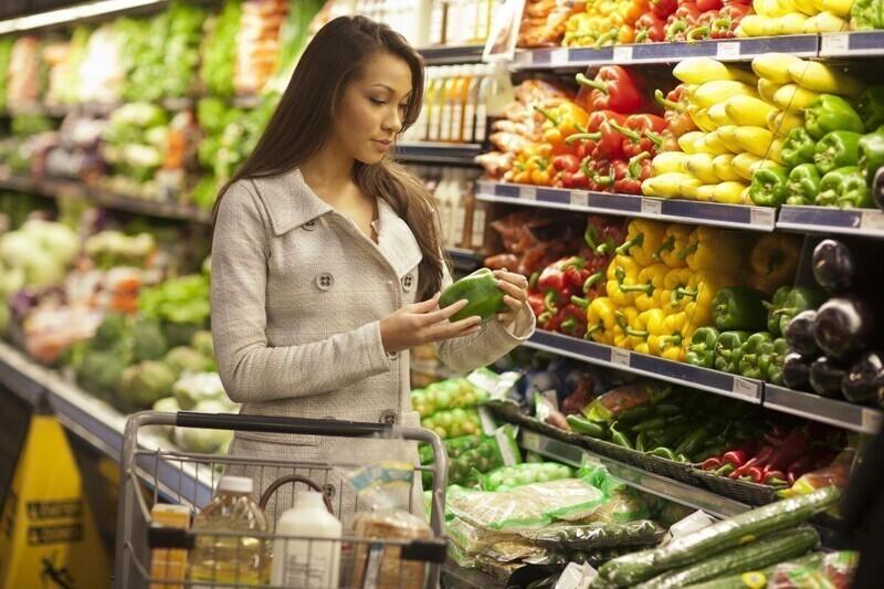В американских магазинах вешают новые пометочки на товарах