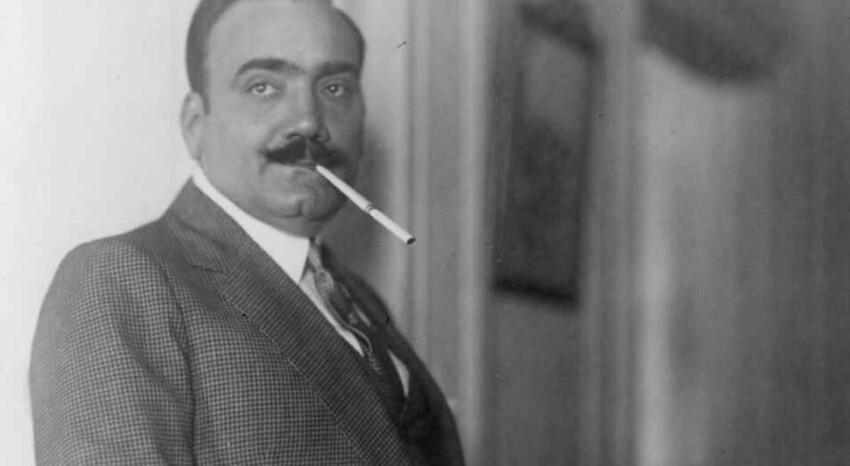 А еще оперные певцы есть, которые курили и много. А как же дыхание, скажете вы? Да вот так. Энрико карузо
