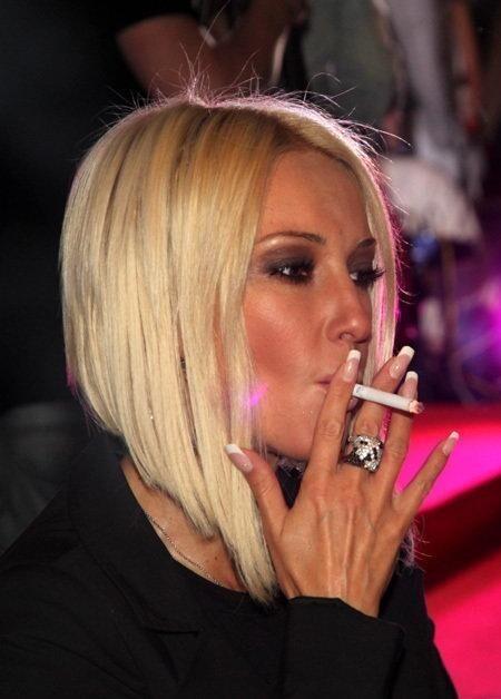Лера Кудрявцева курит давно, странно, что она еще ак хорошо выглядит при таком стаже курения
