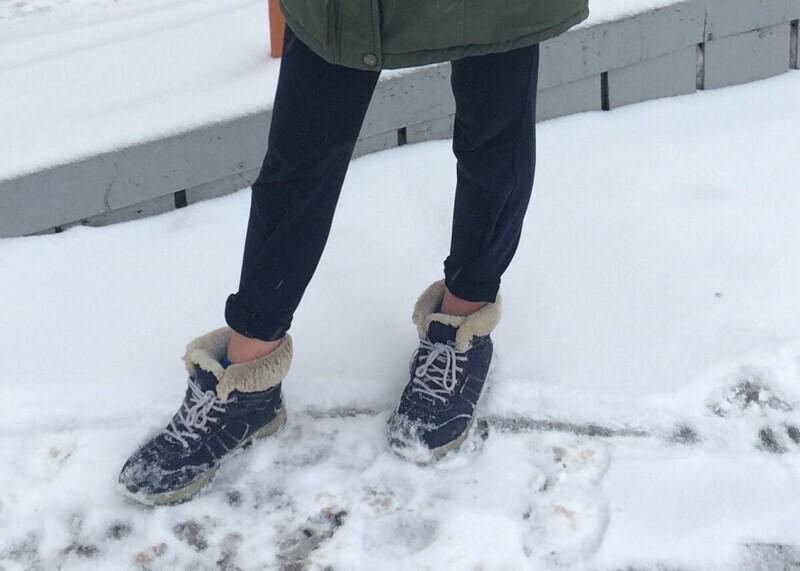 Они не знают о существовании длинных носков?