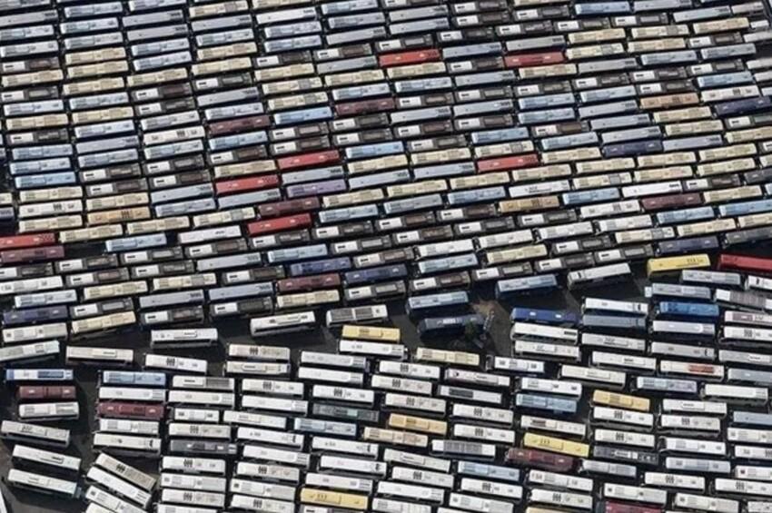 Видеокассеты или автобусы?