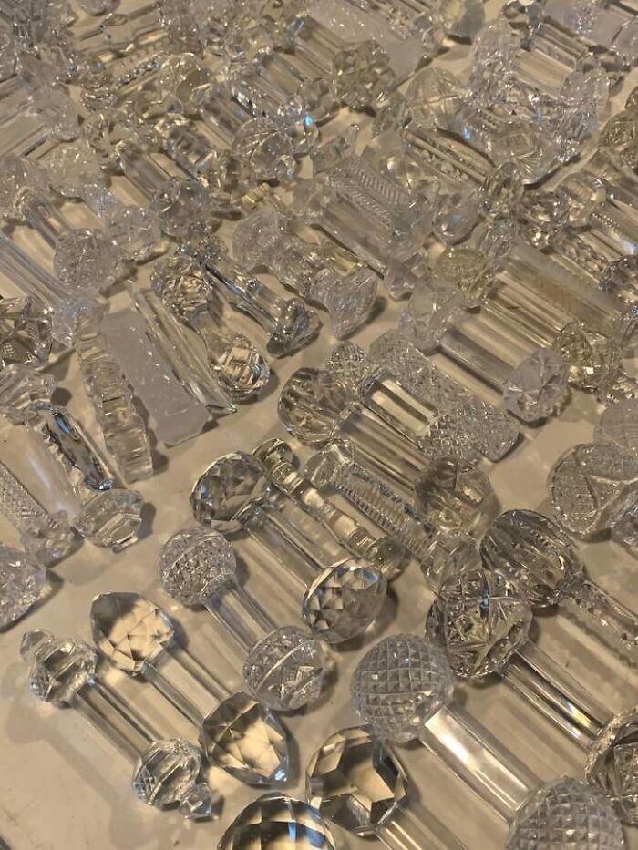 """""""Что это за стеклянные штуки? Увидел их на гаражной распродаже. На дверные ручки не похожи..."""""""