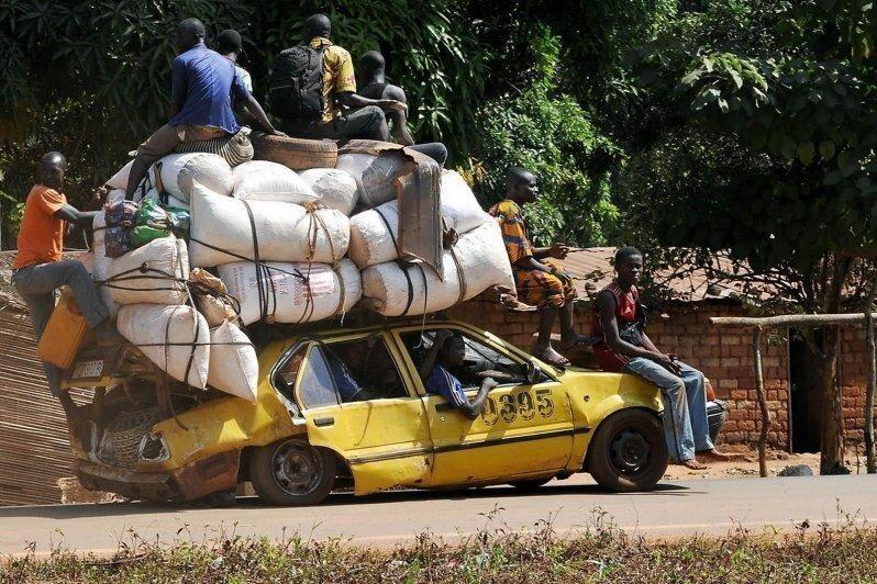 Машина в Африке - роскошь и поэтому эксплуатируют ее нещадно, до последнего