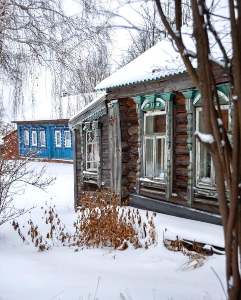 Во многих русских деревнях сегодня живут люди, не все переехали в город