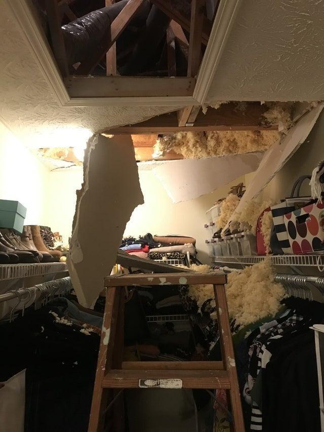 Обогреватель вышел из строя, техник отказался приехать из-за карантина. Решил попробовать починить его сам. Споткнулся о трубу и провалился сквозь потолок. Кому-нибудь нужен мастер на все руки?