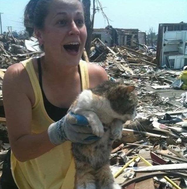 Через 16 дней после торнадо, она нашла свою любимицу живой