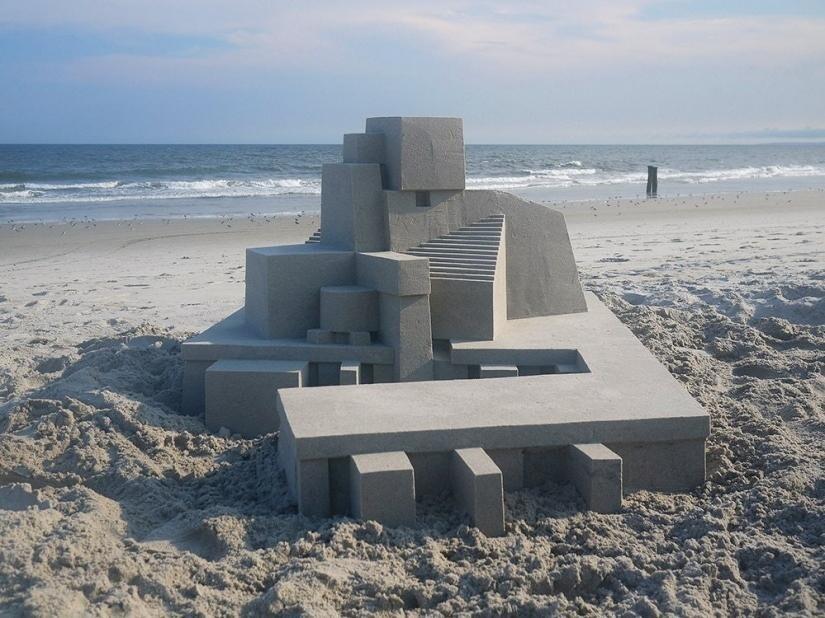 Потрясающее сооружение из песка