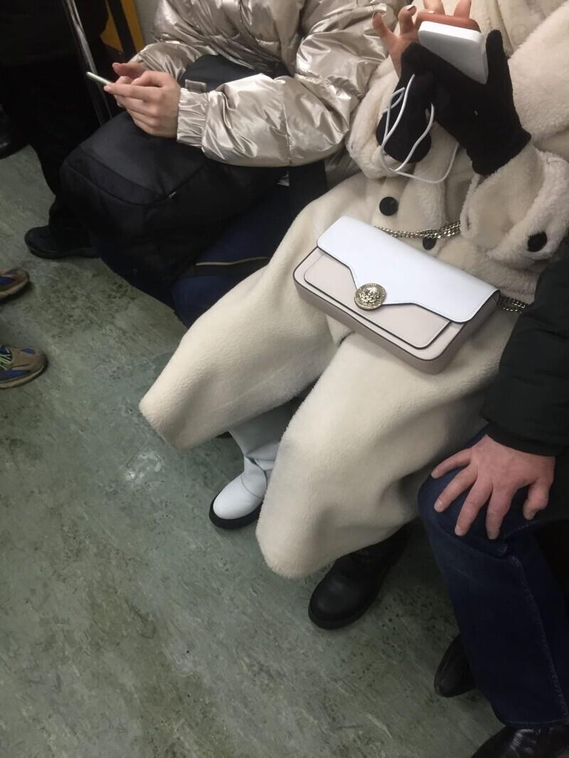 Уважаемые знатоки, что за мода такая пошла на обувь