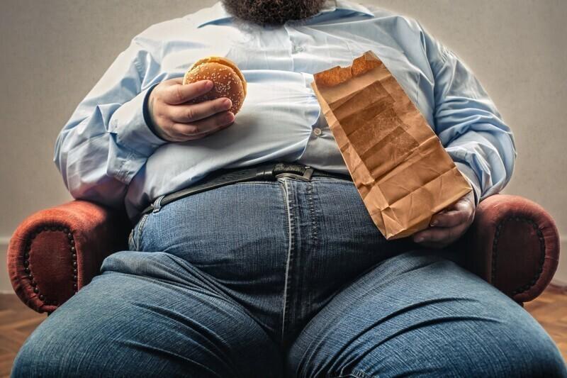 В настоящее время от ожирения страдает больше людей в мире, чем от голода
