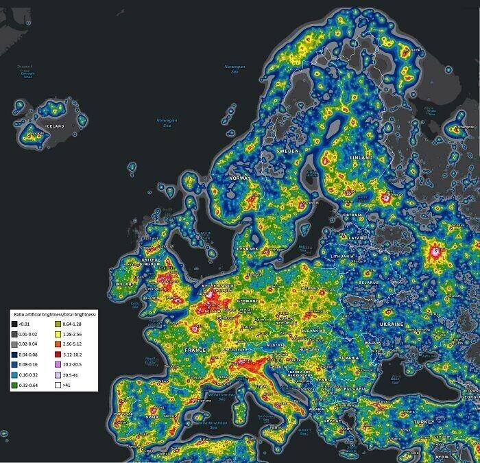 Карта светового загрязнения Европы