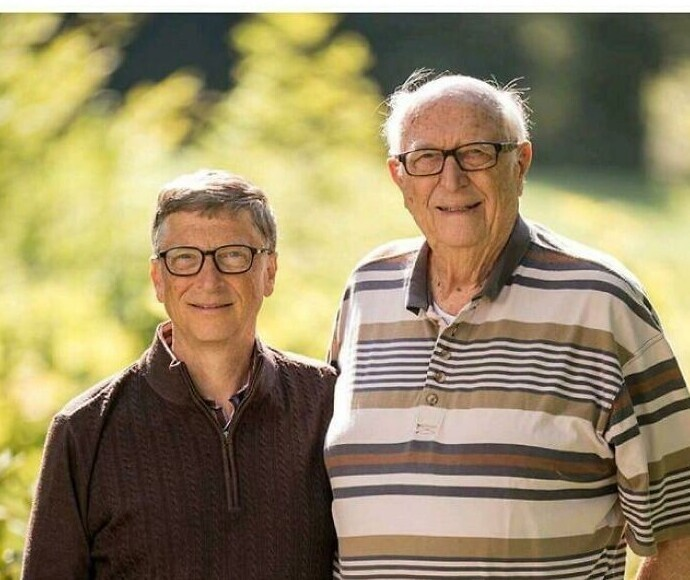 Билл Гейтс - старший: рост - 2 метра 4 сантиметра. Вот он какой, настоящий Билл Гейтс!