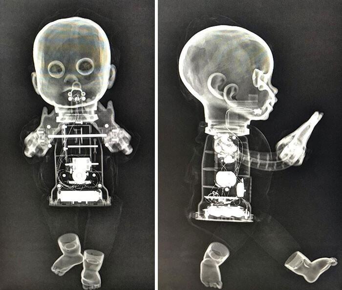 Кукла на рентгене выглядит зловеще